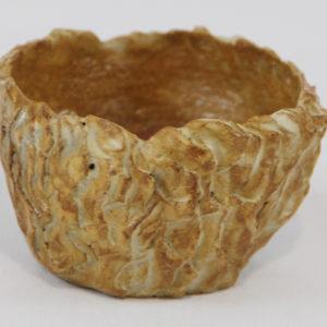 petit pot sculpté et émaillé, pièce unique