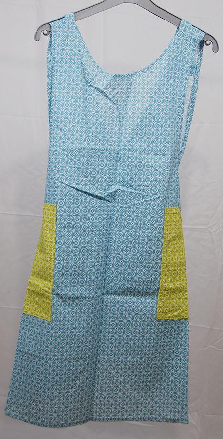 tablier en tissu léger aux motifs géométriques